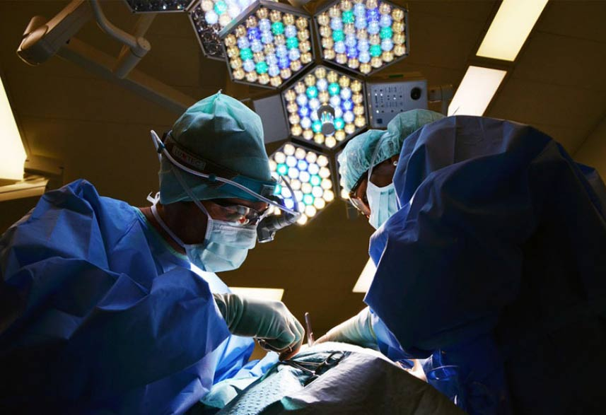 Advanced neurosurgery without anesthesia carried out in Mashhad