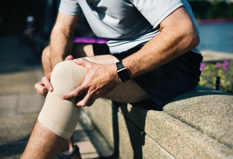 How to get rid of knee pain when sleeping